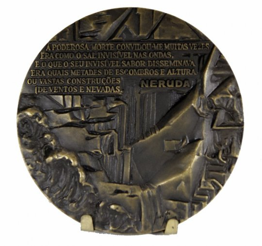 JOSE DE MOURA medal - Neruda Chilean poet, diplomat and politician